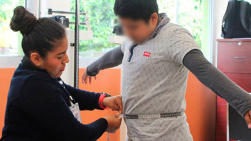 Niños obesos podrán usar brassier en lugar de falda en las escuelas