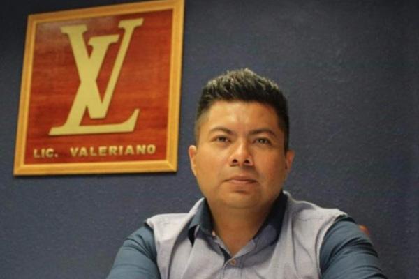 Todo lo que sabemos del Licenciado Valeriano y su repentino ascenso a la fama