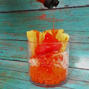 Un vasito de fruta o ensalada (por aquello de la dieta)