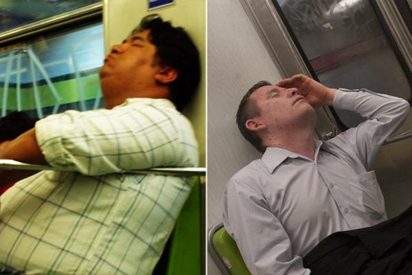 Hacerse el dormido: la nueva tendencia para evitar ancianas, embarazadas y discapacitados