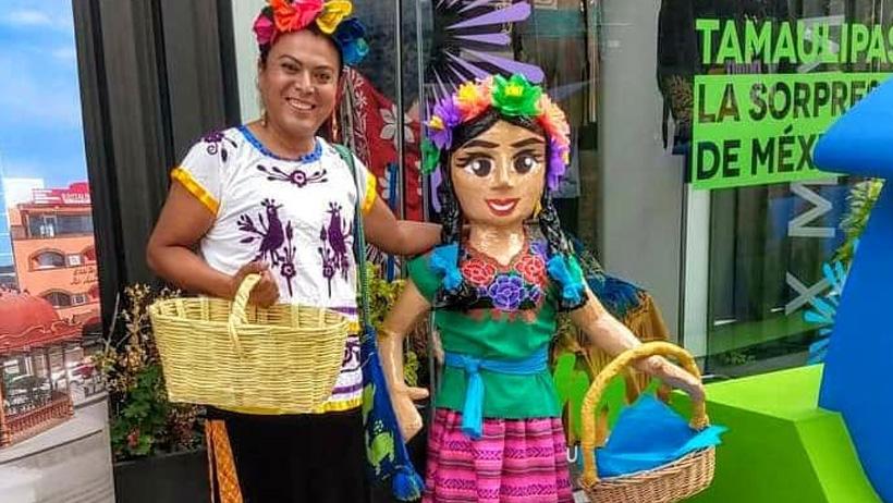 Lady Tacos de Canasta estrena piñata y advierte a todos los que le quieran dar palo