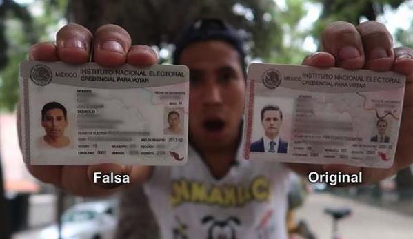 México surrealista: Youtuber compra INE falsa con los datos de Peña Nieto