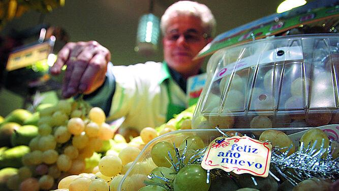 Tomar uvas en el super mercado será considerado delito grave