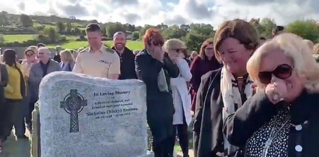 Ni muerto cambias: Hombre deja broma grabada para su funeral como si estuviera encerrado