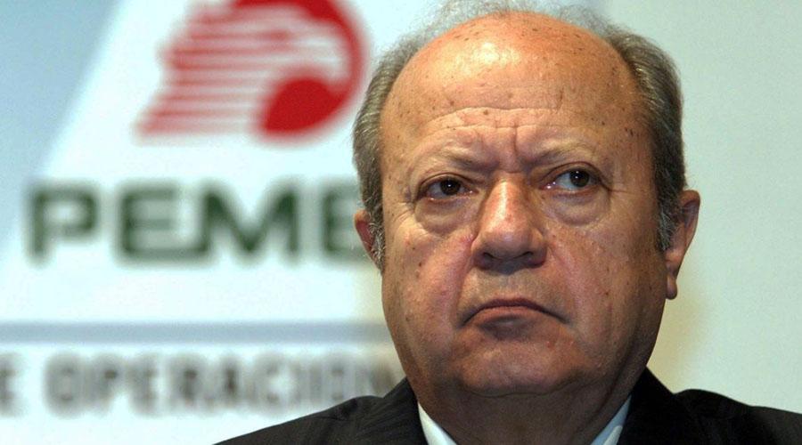 Empleados de PEMEX preguntan ¿quién es ese tal Romero Deschamps que acaba de renunciar?