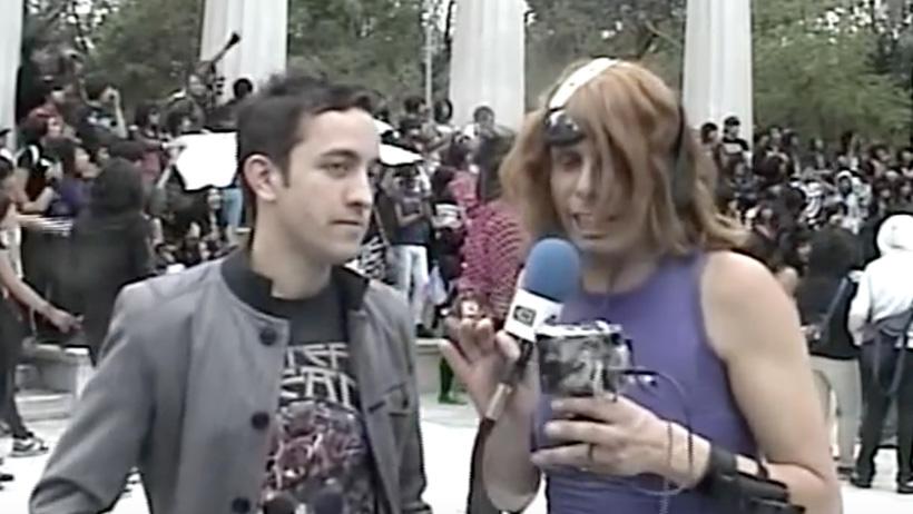 Cómo olvidar cuando Chumel Torres era parte de los emos en el 2009 y fue a su marcha