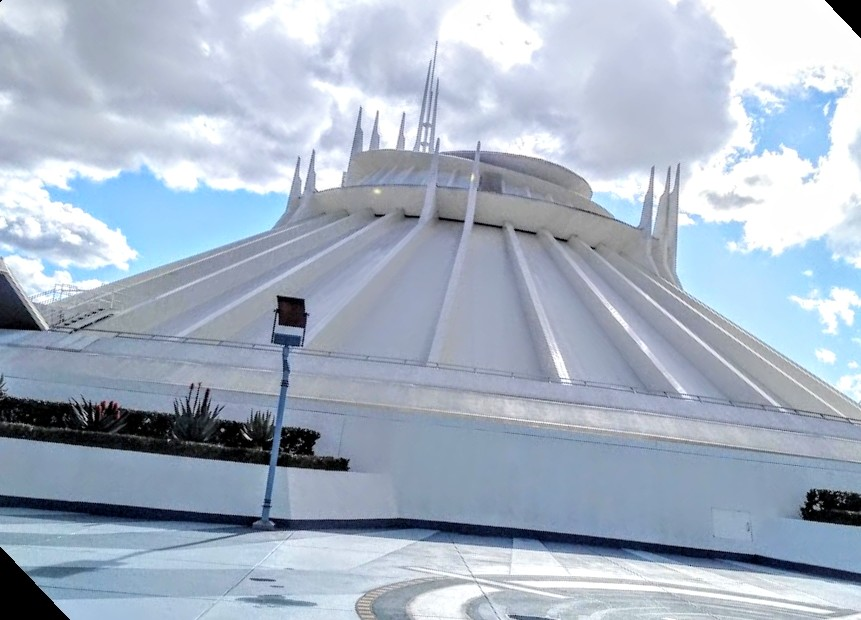 basílica de guadalupe space mountain disney