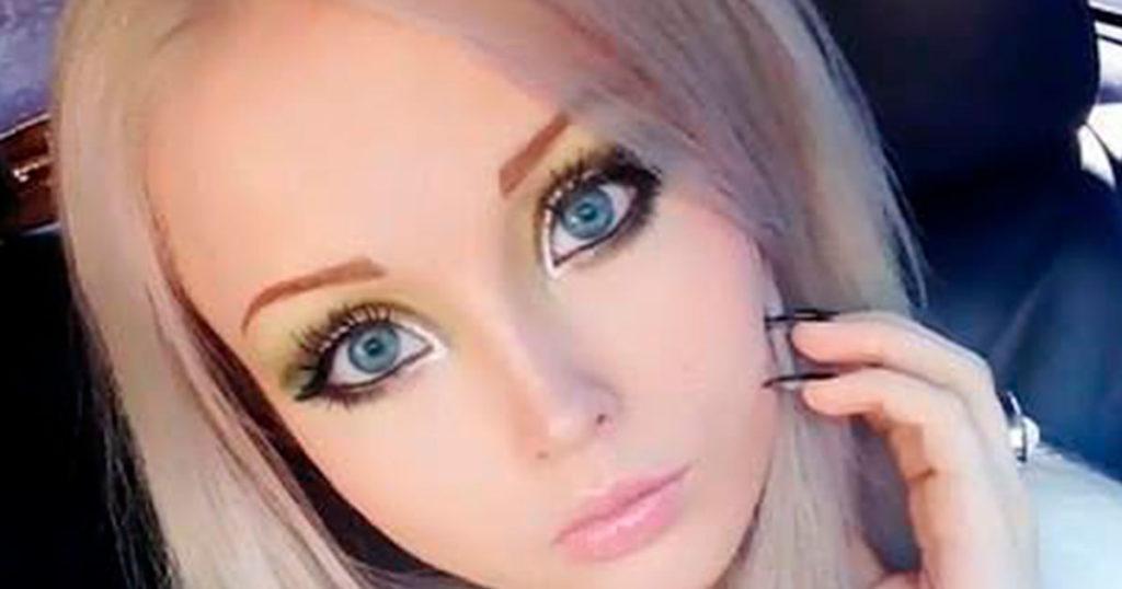 ¿Te acuerdas de la Barbie humana? Así luce hoy y ya no está tan Barbie