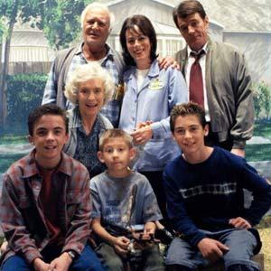 De cuántos miembros se conforma la familia de Malcolm? (Sólo sus papás y hermanos)
