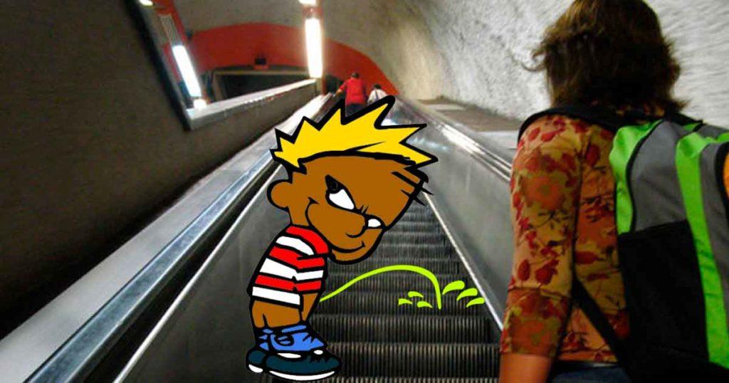 Ahora resulta que las escaleras del metro se descomponen porque ¡¿las orinan?!