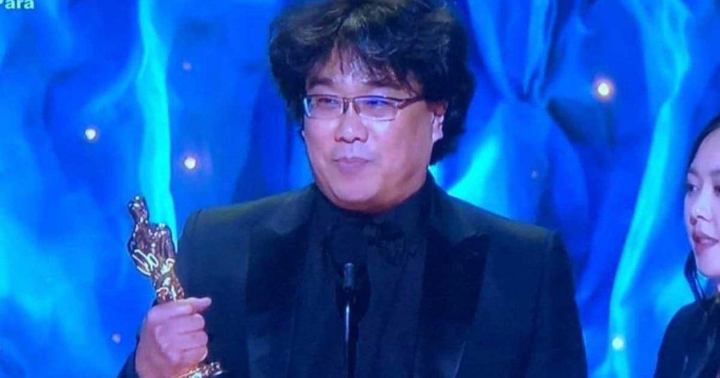 Franco Escamilla es reconocido como mejor director por su película Parásitos