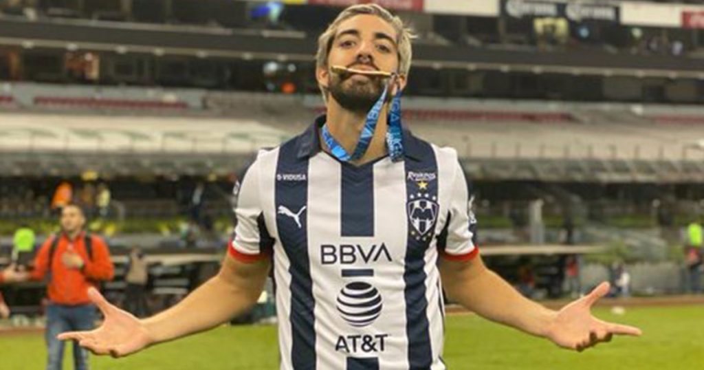 Rodolfo Pizarro celebra título contra América