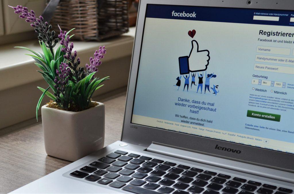 ¿Cómo instalar el modo oscuro de Facebook?