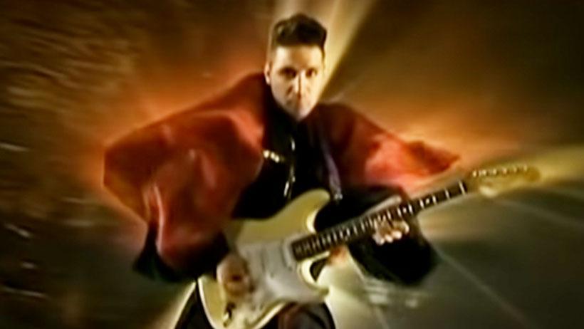 ¿Te quieres sentir viejo y solo? Pues así lucen hoy Lolo de Miranda y su guitarra