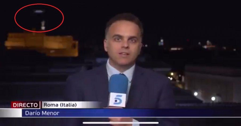 OVNI aparece durante transmisión en vivo en televisión de Italia (VIDEO)