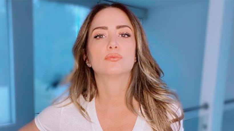 "Andrea Legarreta manda ""duro"" mensaje al COVID con todo y blusa semi transparente"