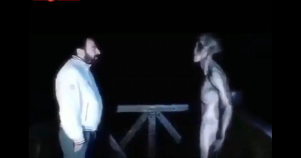 Casual: Llega un alien a tu jardín y te pones a platicar con él sobre la vida (VIDEO)