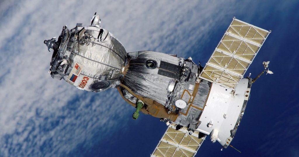 Todos los satélites Starlink que mandó SpaceX al espacio, en un mapa en tiempo real