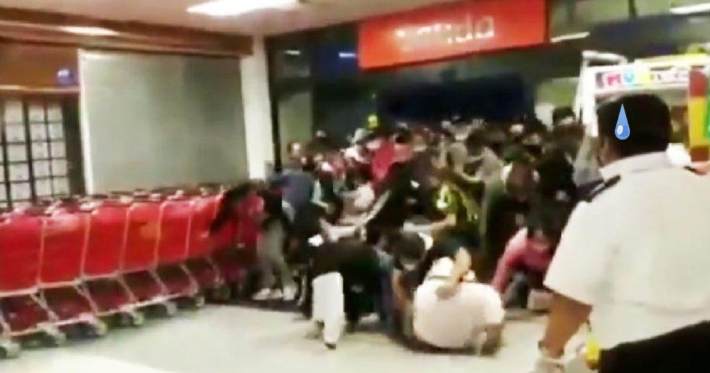 "Cuarentena ""educada"" nivel: Abarrotan tienda Soriana en México por ofertas"