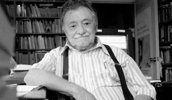 Joven es internado por diabetes luego de leer la poesía completa de Mario Benedetti