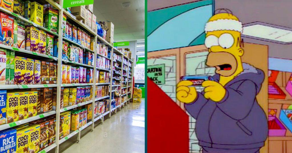 Persona compra cereal que aún no tiene nuevo etiquetado para evitar subir de peso