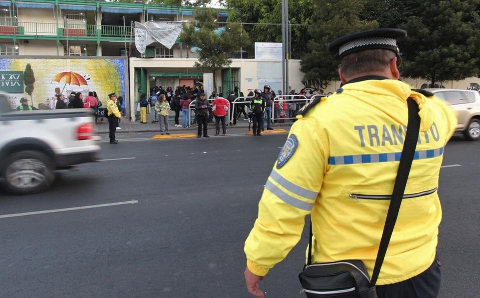 Ciudadanos descubren que tránsitos que no hacen nada, solo están haciendo su trabajo