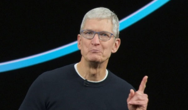Tim Cook retrasa el Apple Event hasta saber si ganó la rifa del avión o no