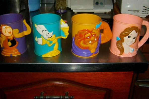 ¿Qué tenían adentro estas tazas cuando las adquirirlas?