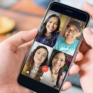 ¿Cómo te comunicas con tus familiares y amigos?